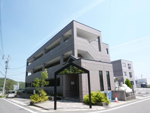 愛知県日進市、星ヶ丘駅名鉄バスバス22分岩根下車後徒歩2分の築10年 3階建の賃貸アパート