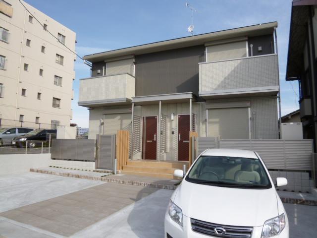 愛知県名古屋市名東区、星ヶ丘駅徒歩18分の築4年 2階建の賃貸テラスハウス
