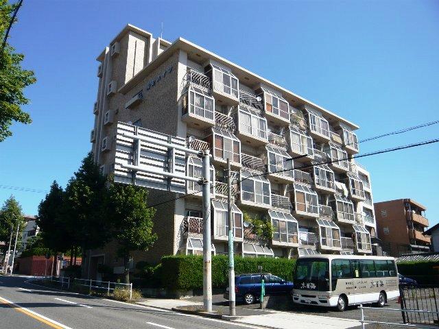 愛知県名古屋市名東区、一社駅徒歩7分の築44年 6階建の賃貸マンション