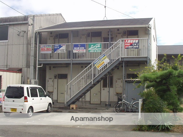 愛知県春日井市、春日井駅徒歩31分の築26年 2階建の賃貸アパート