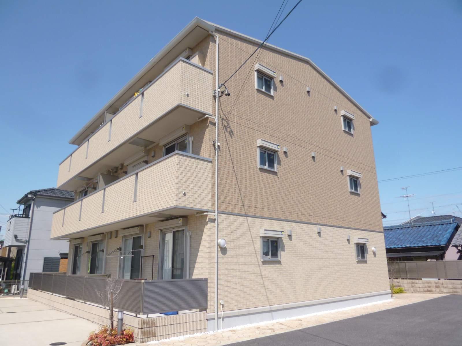 愛知県一宮市、西一宮駅徒歩10分の築3年 3階建の賃貸アパート