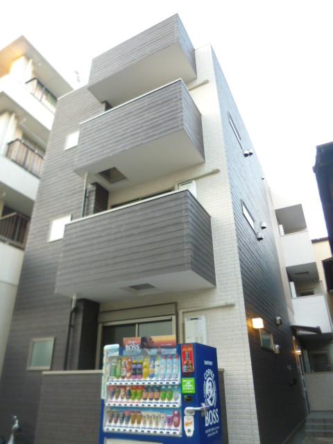 愛知県名古屋市東区、矢田駅徒歩13分の築5年 3階建の賃貸アパート
