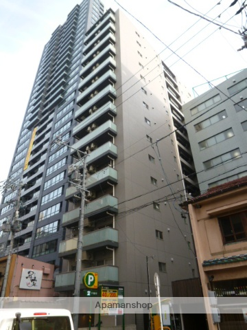 愛知県名古屋市東区、栄町駅徒歩5分の築8年 15階建の賃貸マンション