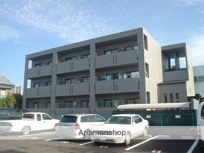 愛知県春日井市、勝川駅徒歩23分の築13年 3階建の賃貸マンション