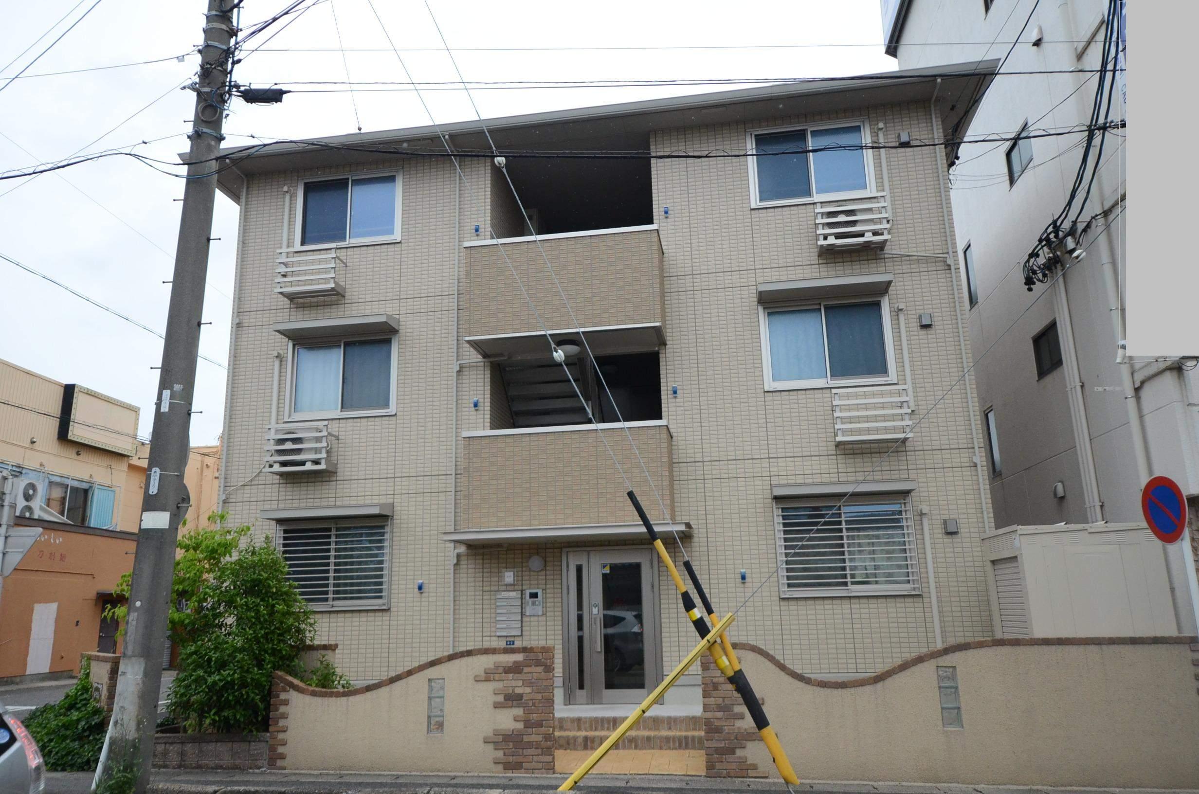 愛知県安城市、安城駅徒歩7分の築6年 3階建の賃貸アパート