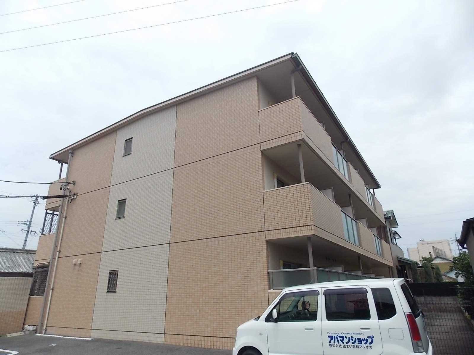 愛知県北名古屋市、西春駅徒歩26分の築10年 3階建の賃貸マンション