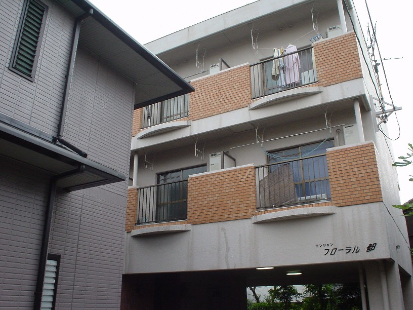 愛知県名古屋市瑞穂区、桜山駅徒歩17分の築30年 3階建の賃貸マンション