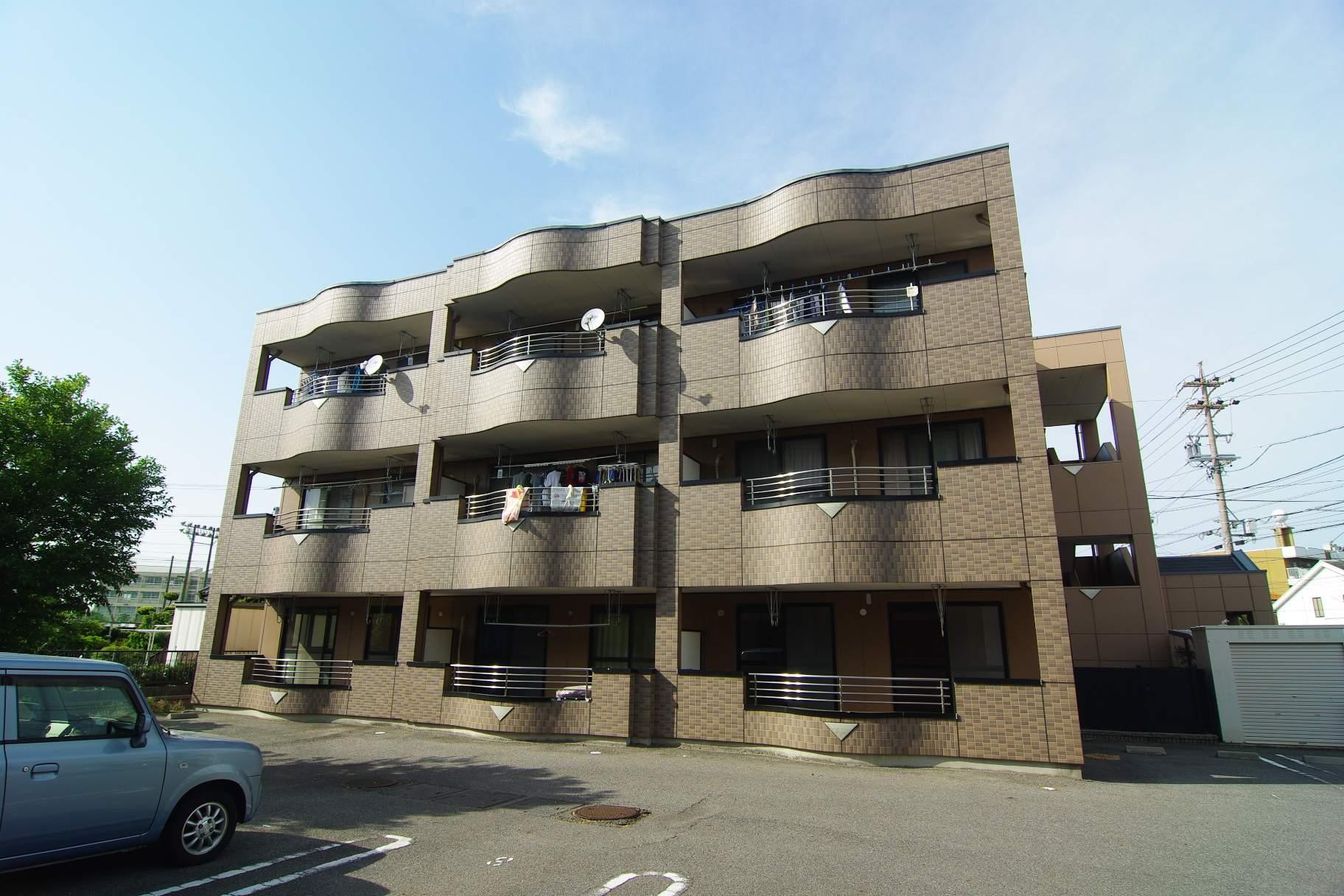 愛知県碧南市、碧南中央駅徒歩14分の築14年 3階建の賃貸マンション