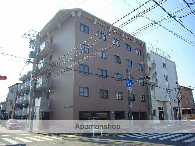 愛知県名古屋市北区、志賀本通駅徒歩21分の築9年 5階建の賃貸マンション