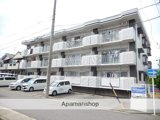 愛知県名古屋市守山区、新守山駅徒歩5分の築27年 3階建の賃貸マンション