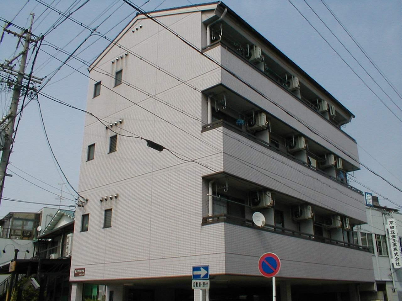 愛知県名古屋市北区、尼ヶ坂駅徒歩6分の築24年 4階建の賃貸アパート