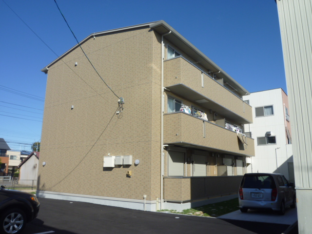 愛知県名古屋市守山区、新守山駅徒歩18分の築7年 3階建の賃貸アパート