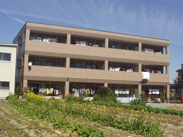 愛知県春日井市、春日井駅徒歩18分の築16年 3階建の賃貸マンション