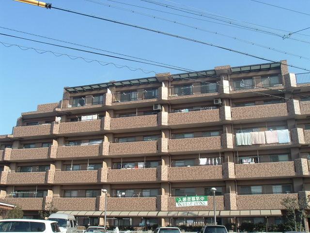 愛知県名古屋市守山区、藤が丘駅徒歩22分の築23年 6階建の賃貸マンション