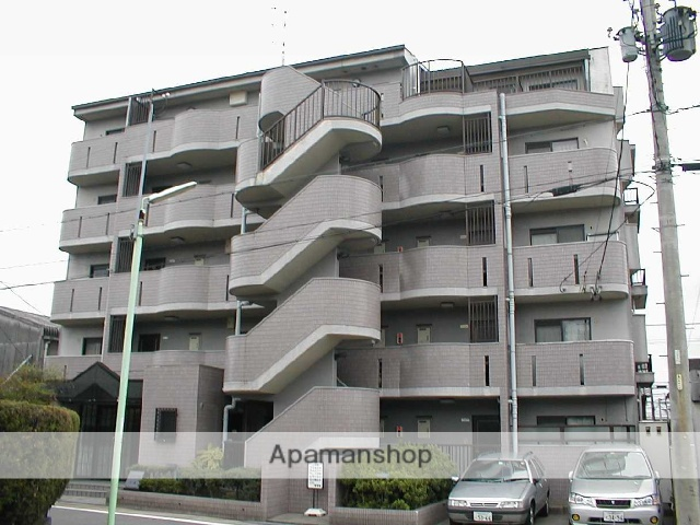 愛知県名古屋市守山区、大森・金城学院前駅徒歩14分の築26年 5階建の賃貸マンション
