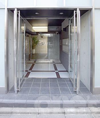 愛知県名古屋市中村区、名古屋駅徒歩10分の築4年 8階建の賃貸マンション