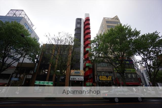 愛知県名古屋市中区、栄駅徒歩11分の築30年 9階建の賃貸マンション