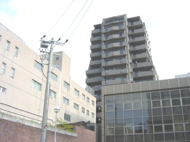 愛知県名古屋市東区、栄駅徒歩15分の築24年 15階建の賃貸マンション