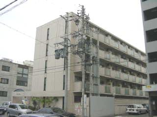 愛知県名古屋市東区、新栄町駅徒歩11分の築24年 5階建の賃貸マンション