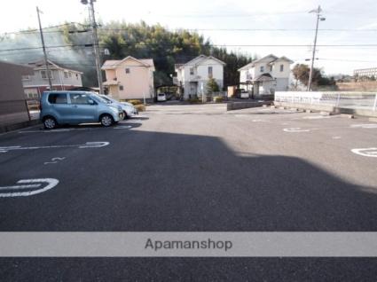 WARM.N[1K/29.81m2]の駐車場