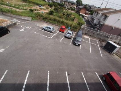 ソレイユ新舞子[2LDK/49.5m2]の駐車場