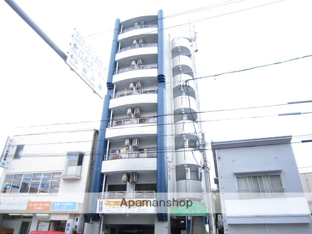 愛知県瀬戸市、瀬戸市役所前駅徒歩17分の築26年 8階建の賃貸マンション