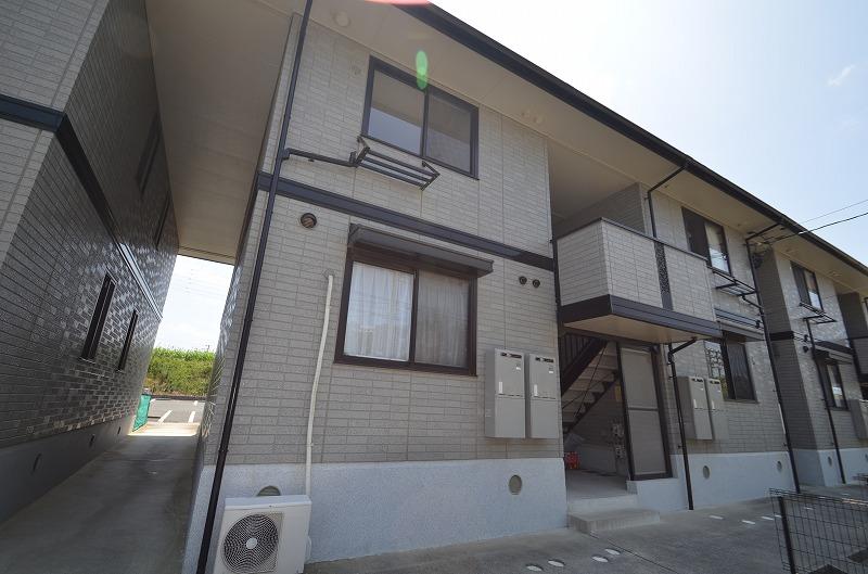 愛知県豊橋市、二川駅徒歩30分の築16年 2階建の賃貸アパート