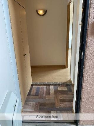 WINS[2LDK/67.88m2]の玄関