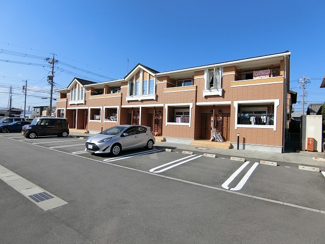 新着賃貸1:三重県津市高茶屋小森町の新着賃貸物件
