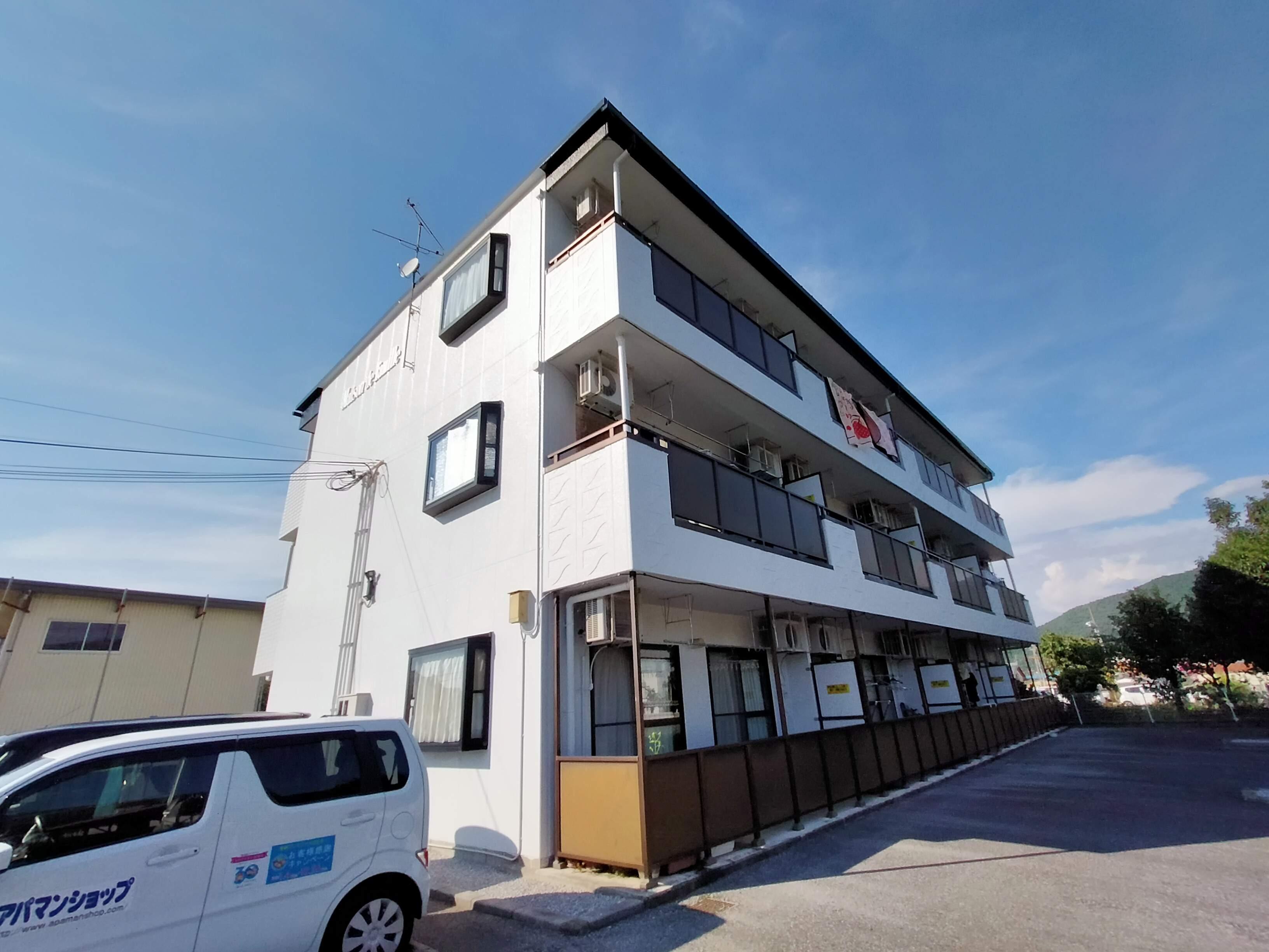滋賀県近江八幡市、能登川駅徒歩88分の築16年 3階建の賃貸マンション