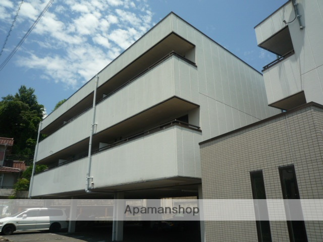 滋賀県大津市、石山駅バス7分マツダ前下車後徒歩15分の築22年 3階建の賃貸マンション