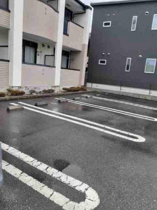 サニーヴィラ参番館[1K/30.07m2]の駐車場