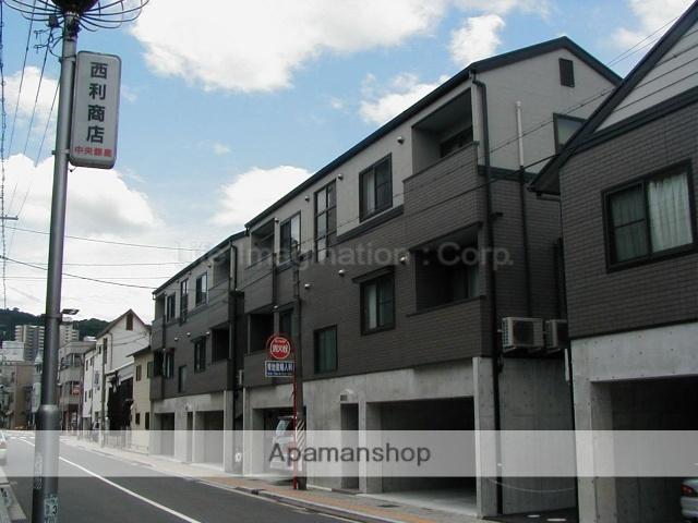 滋賀県大津市、膳所駅徒歩37分の築14年 3階建の賃貸アパート