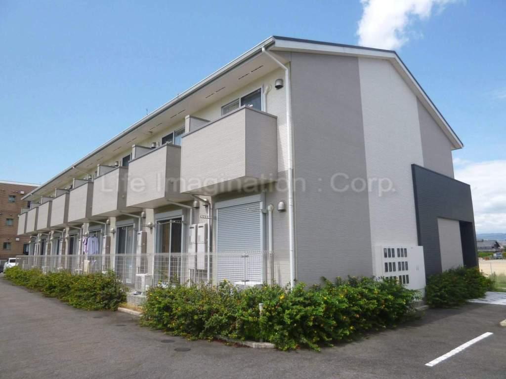 滋賀県守山市、守山駅徒歩18分の築6年 2階建の賃貸アパート