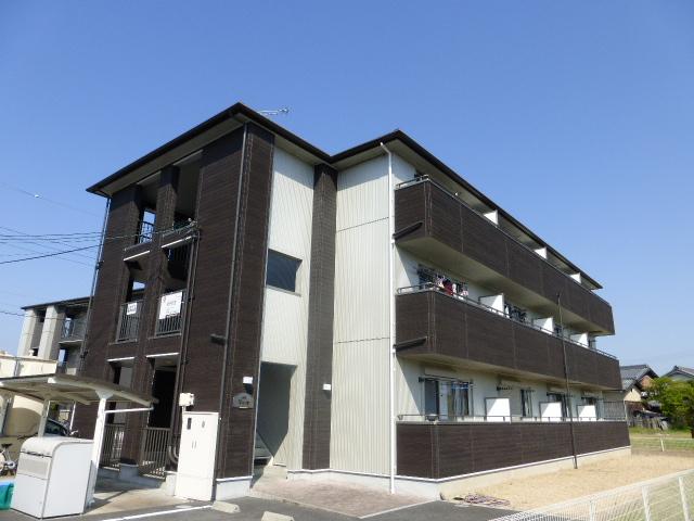 滋賀県甲賀市、寺庄駅徒歩11分の築9年 3階建の賃貸アパート
