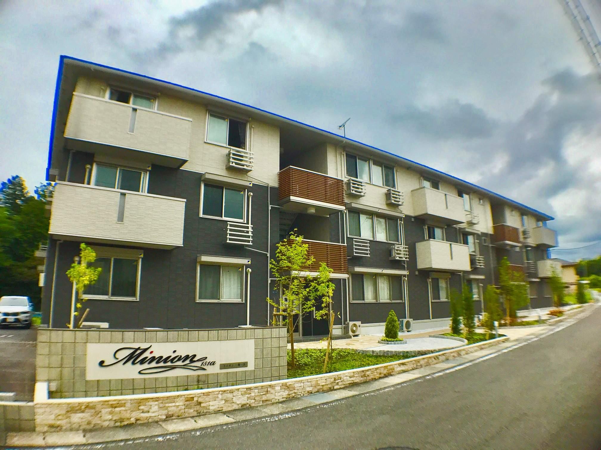 滋賀県草津市、南草津駅徒歩28分の新築 3階建の賃貸アパート