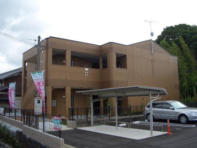 滋賀県彦根市、南彦根駅湖国バスバス8分西今下車後徒歩4分の築8年 2階建の賃貸アパート