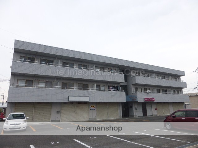 滋賀県東近江市、京セラ前駅徒歩26分の築25年 3階建の賃貸マンション