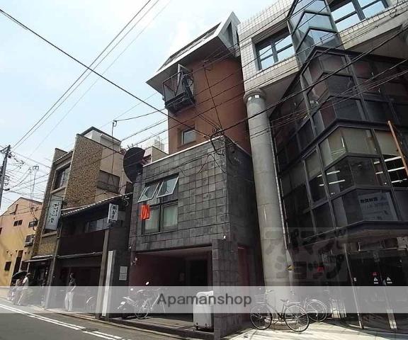 京都府京都市東山区、三条駅徒歩2分の築25年 5階建の賃貸マンション