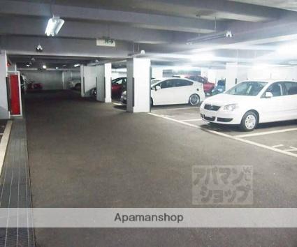 インペリアル京都[4LDK/79.7m2]の駐車場