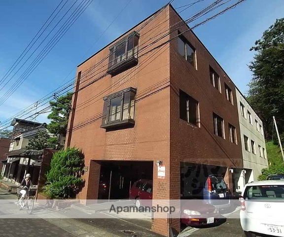 京都府京都市東山区、蹴上駅徒歩1分の築31年 3階建の賃貸マンション