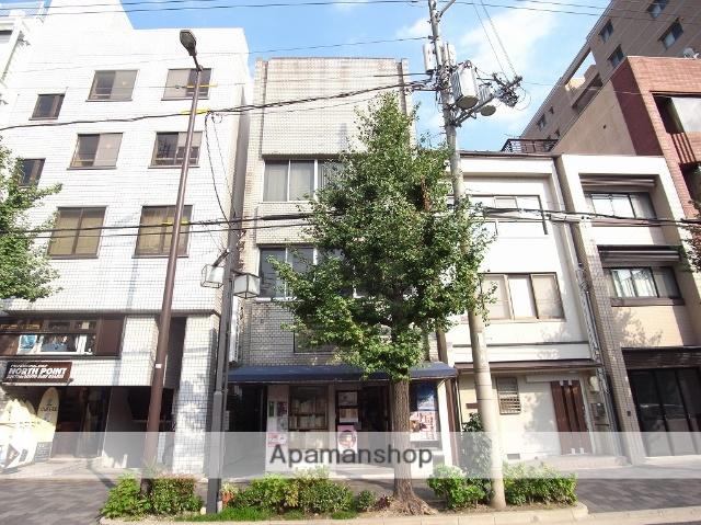 京都府京都市中京区、三条駅徒歩11分の築31年 4階建の賃貸マンション