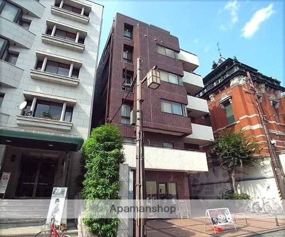 京都府京都市中京区、烏丸駅徒歩10分の築33年 6階建の賃貸マンション