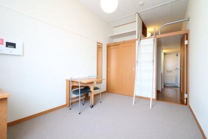 レオパレスMizusawa[1K/19.87m2]のリビング・居間2