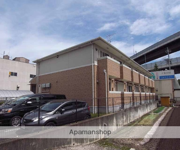 京都府京都市伏見区、上鳥羽口駅徒歩5分の築8年 2階建の賃貸アパート
