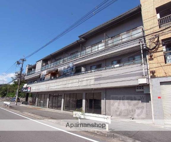 京都府京都市伏見区、六地蔵駅徒歩16分の築30年 3階建の賃貸マンション