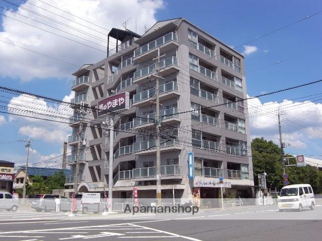 京都府京都市右京区、西京極駅徒歩25分の築26年 7階建の賃貸マンション