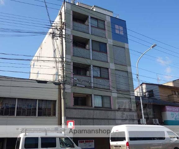 京都府京都市下京区、京都駅徒歩22分の築27年 5階建の賃貸マンション