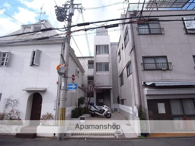 京都府京都市中京区、円町駅徒歩2分の築36年 4階建の賃貸マンション