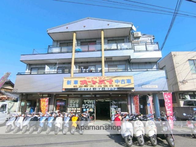 京都府京田辺市、同志社前駅徒歩5分の築25年 3階建の賃貸マンション